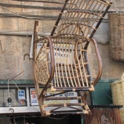רהיטי קש ליד שוק מחנה יהודה