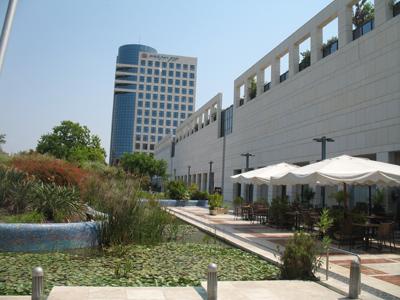 קניון רמת אביב