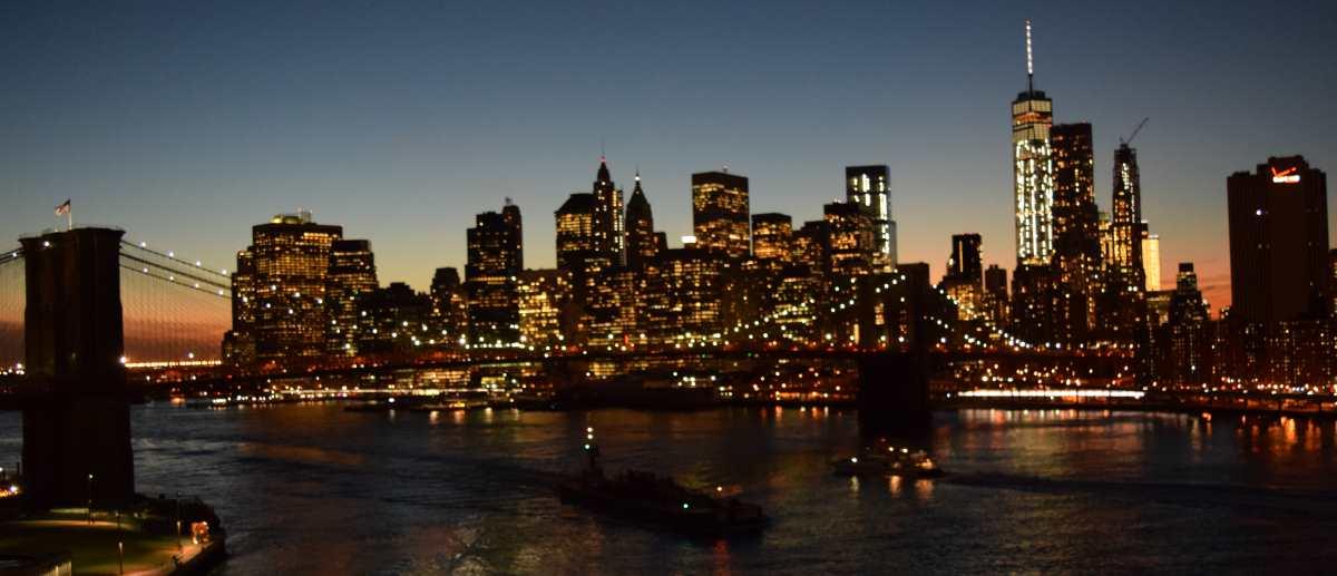 איזון לבן שמשקף את המציאות (גשר ברוקלין)