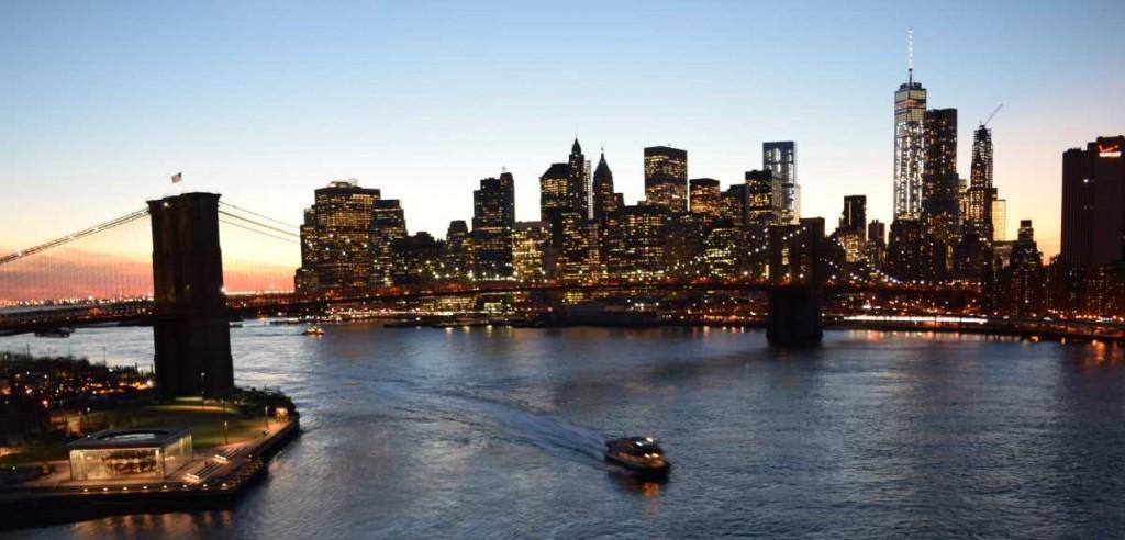 גשר ברוקלין בשקיעה