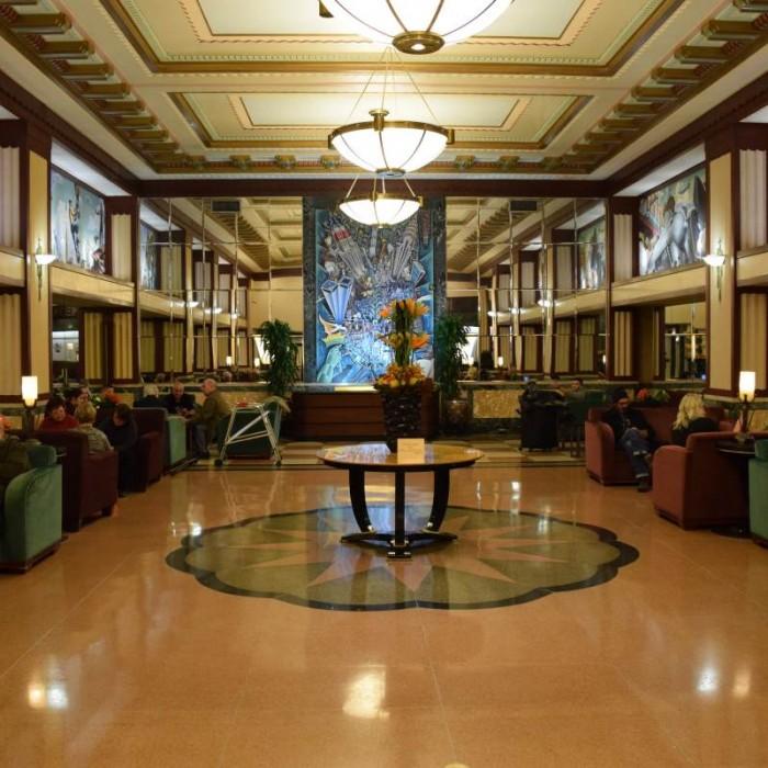 לובי מלון אדיסון ניו יורק