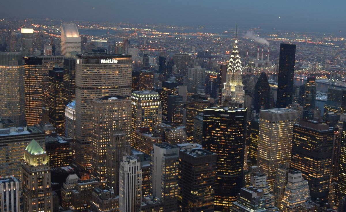 התצפית מהאמפייר סטייט בילדינג אל מידטאון איסט מנהטן ניו יורק