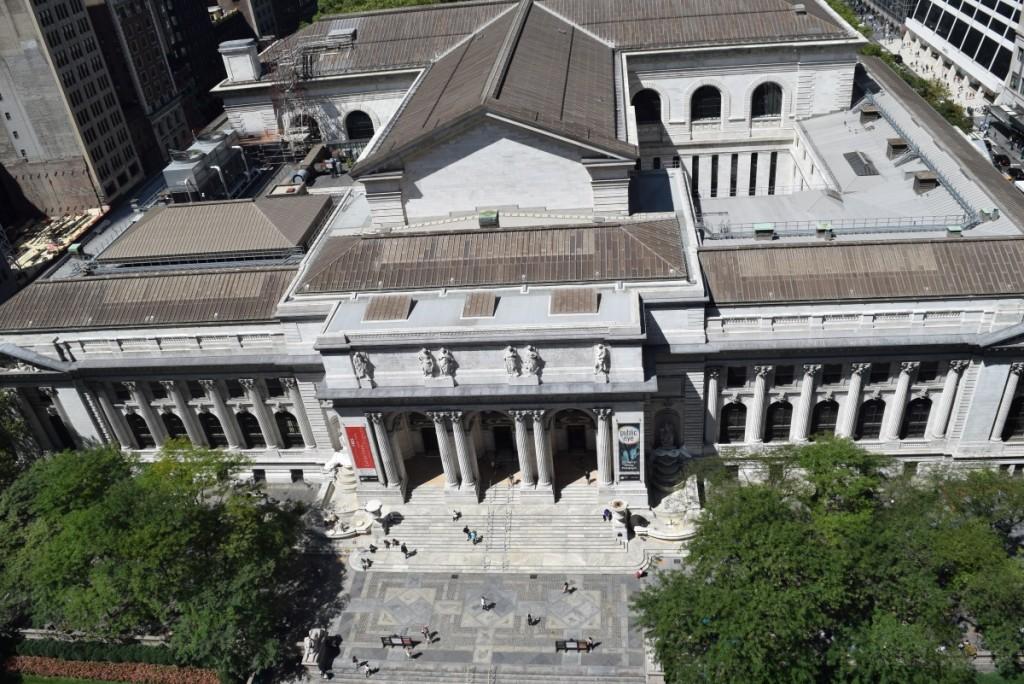 הספריה העירונית ניו יורק במבט מלמעלה