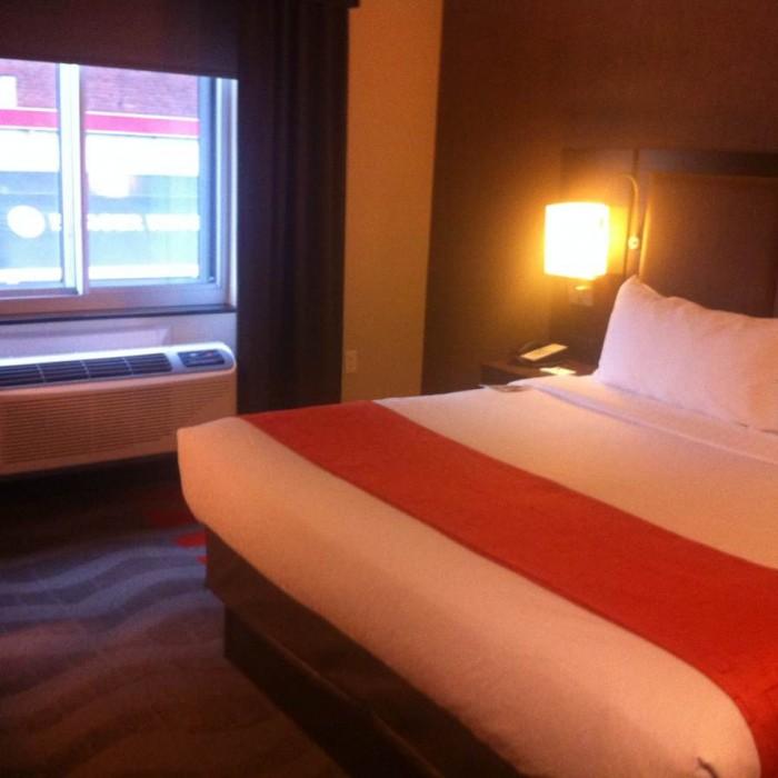 החדר מלון הולידיי אין לואר איסט סייד ניו יורק