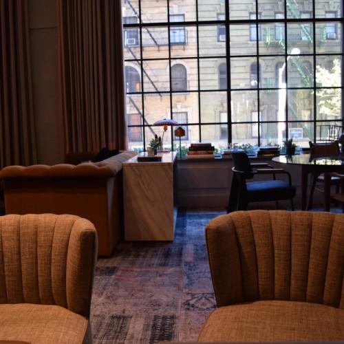 לובי מלון סיקסטי סוהו ניו יורק