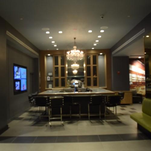 לובי ובר במלון מנהטן בטיימס סקוור