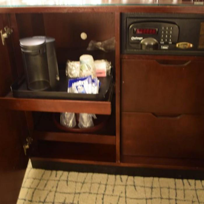מכונת קפה, כספת מלון קראון פלאזה ניו יורק