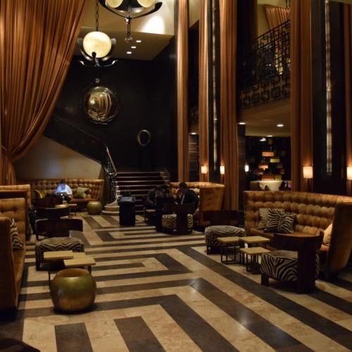 לובי במלון אמפייר