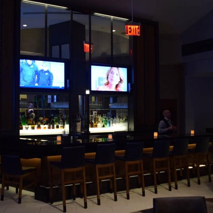 הבר מלון סוויטות הילטון טיימס סקוור ניו יורק