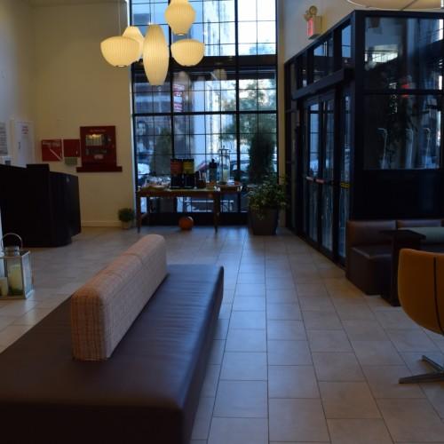 הכניסה למלון הילטון גארדן טרייבקה ניו יורק