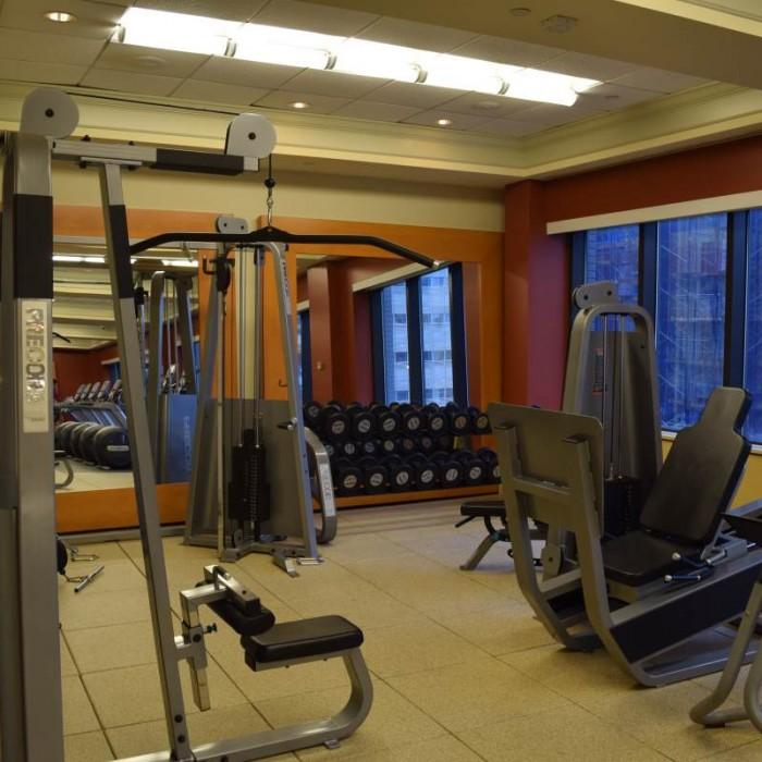 חדר כושר חלק הכח מלון הילטון טיימס סקוור ניו יורק
