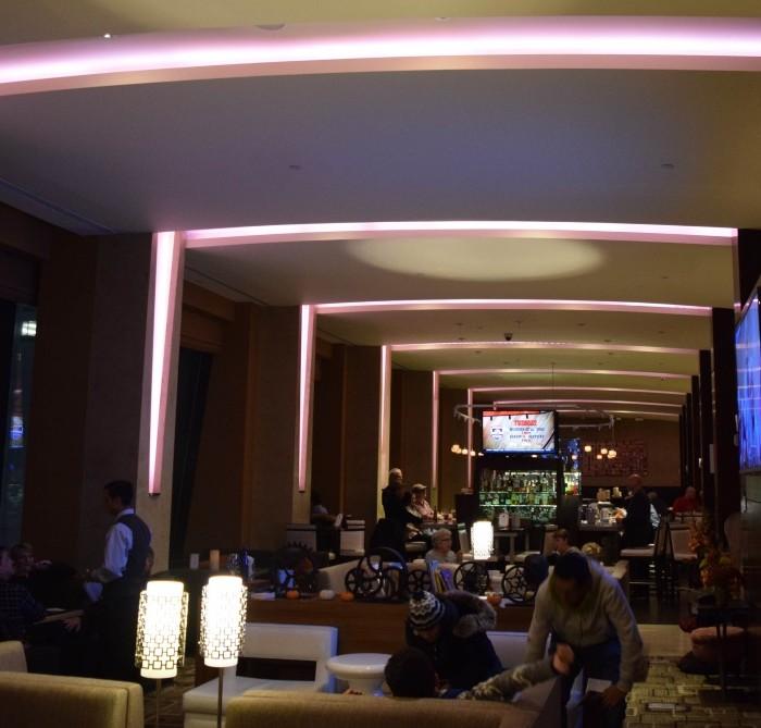 הלובי בלילה מלון הילטון טיימס סקוור ניו יורק