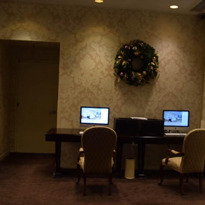 מחשבים לשימוש חופשי מלון פארק ליין ניו יורק
