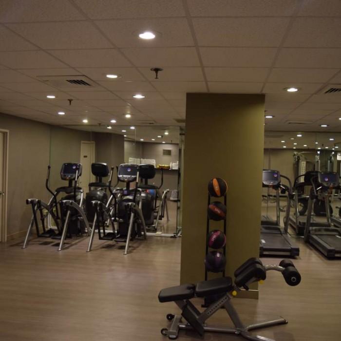 חדר כושר מלון פארק ליין ניו יורק