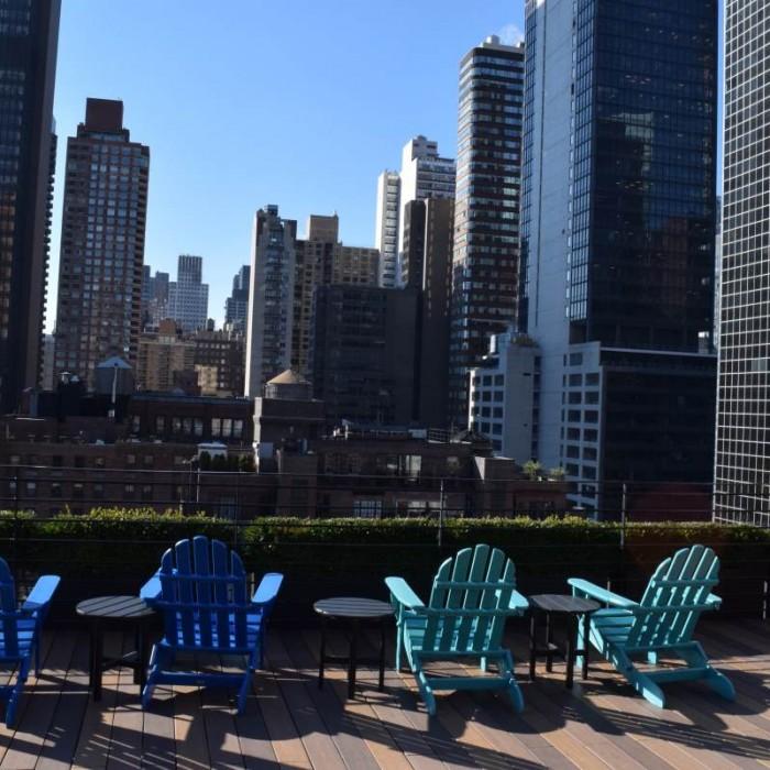 הנוף מגג המלון (אזור הפתוח לכל אורחי המלון) מלון פוד 51 ניו יורק