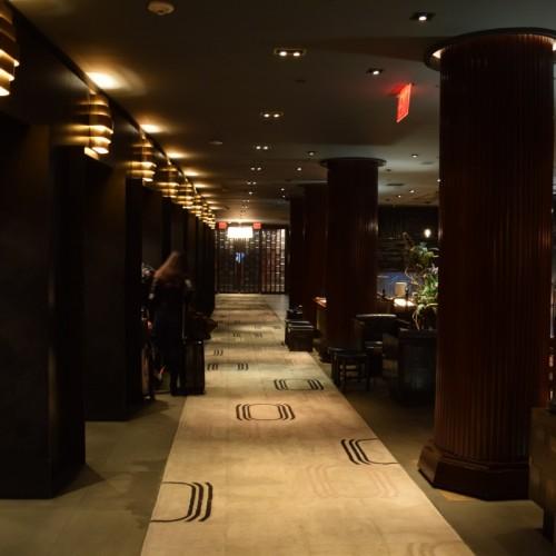 מסדרון הכניסה למלון רויאלטון ניו יורק