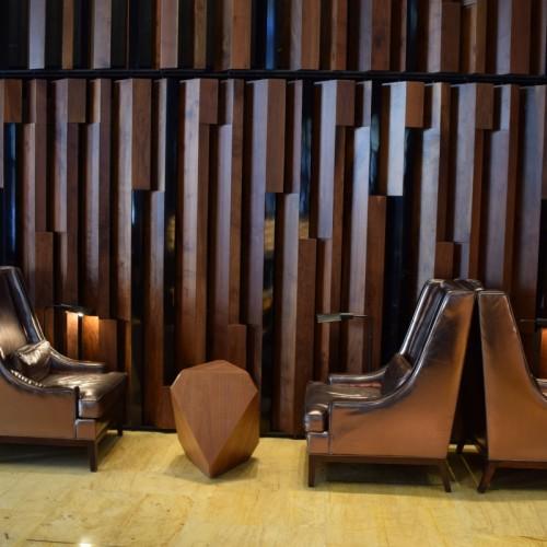 פינת ישיבה בלובי מלון טראמפ סוהו ניו יורק