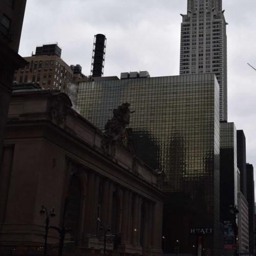 בין גרנד סנטרל לבניין קרייזלר מלון גראנד הייאט ניו יורק