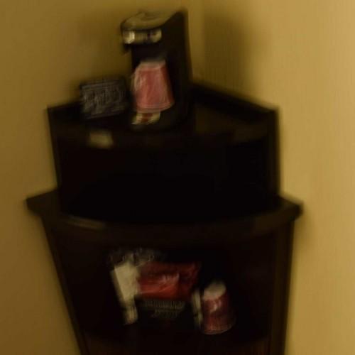 מכונת קפה חדר עם מיטת קינג מלון מריוט מרקיז ניו יורק