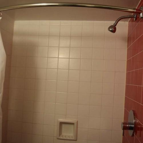 חדר המקלחת מלון פרמונט ניו יורק