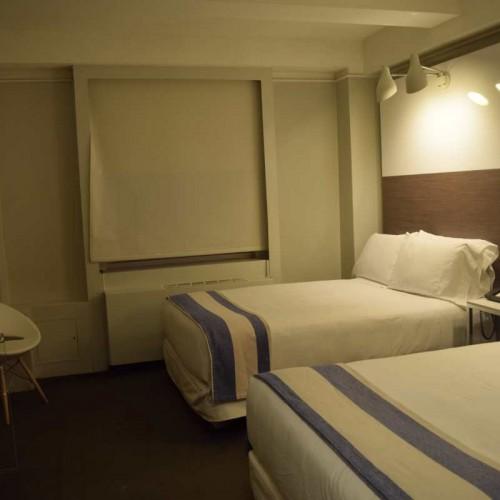 חדר עם שתי מיטות (TWO DOUBLE BEDS) כבר יותר גדול מלון פרמונט ניו יורק