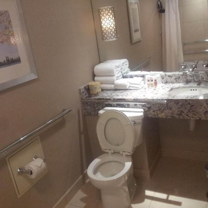 חדר אמבטיה מלון שרתון ניו יורק