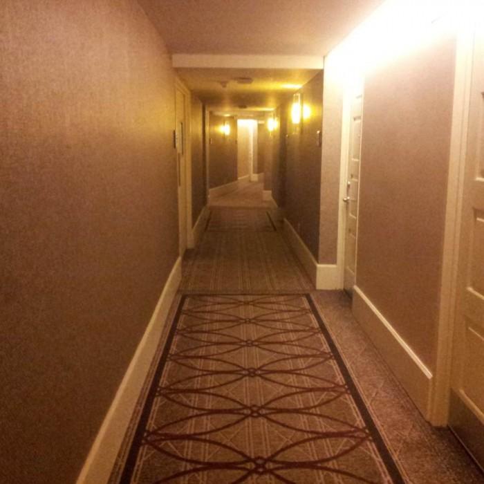 מסדרון בקומת החדרים מלון שרתון ניו יורק