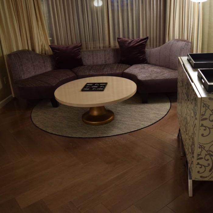 פינת הישיבה מלון לונדון ניו יורק