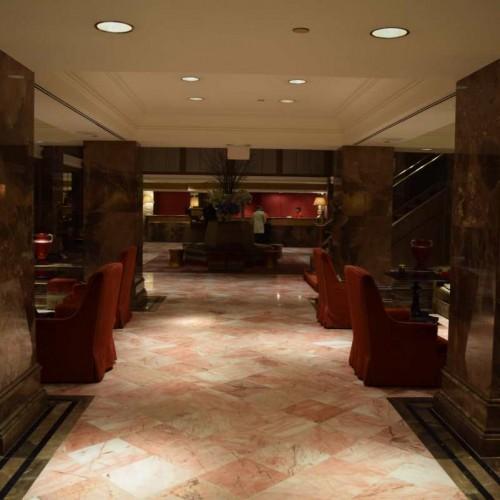 הכניסה למלון מיכאלאנג'לו ניו יורק
