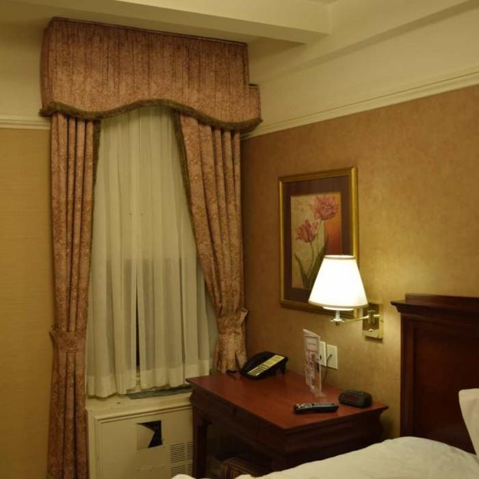 הווילון :) מלון וולינגטון ניו יורק