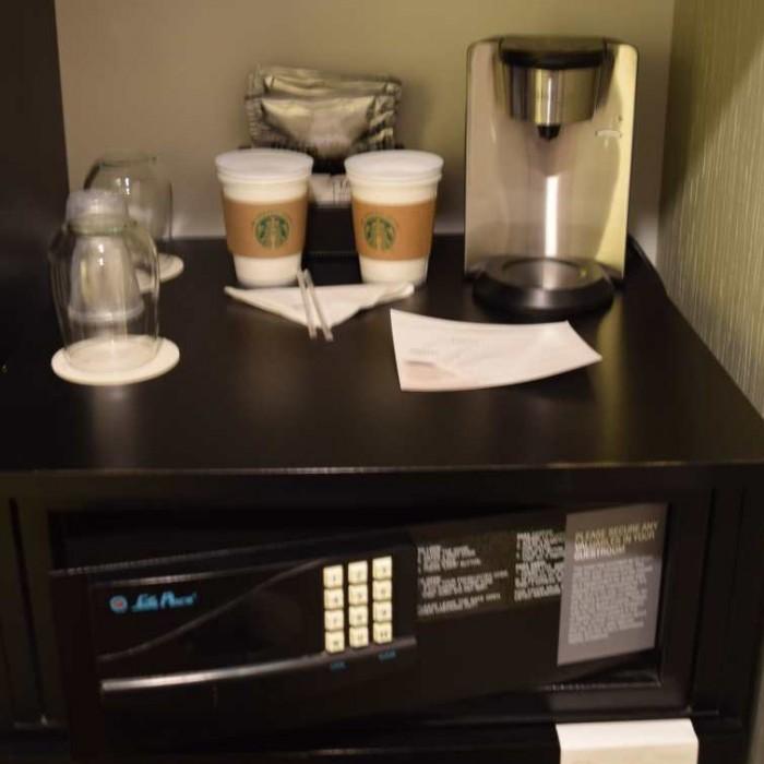 כספת, מכונת קפה מלון וינשטיין טיימס סקוור ניו יורק