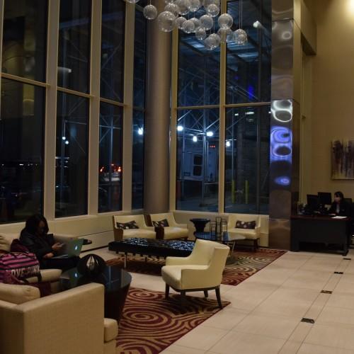 הלובי במלון פיירפילד מידטאון