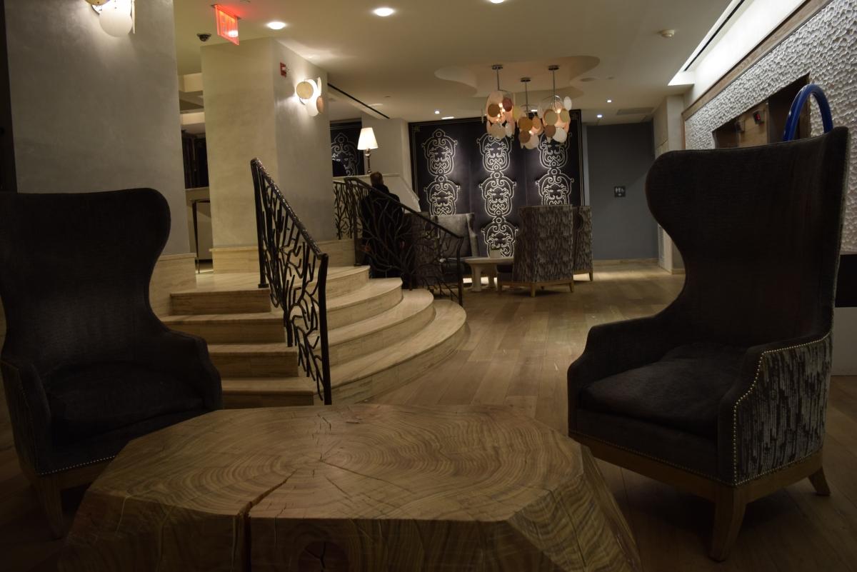 לובי קטן אך יפה מלון טוסקנה ניו יורק,