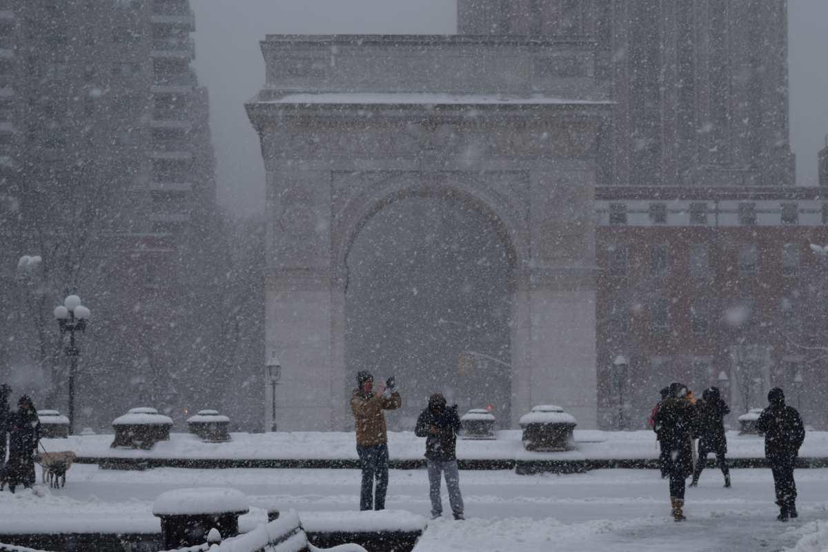 washington-square-nyc-snow-2