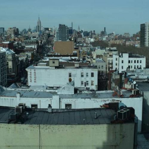 הנוף מהחדר משמאל האמפייר סטייט בילדינג, מימין בניין קרייזלר החדר מלון ווינדהאם צ'יינה טאון ניו יורק