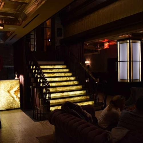 הכניסה במבט מבפנים מלון ג'ייד Jade Hotel