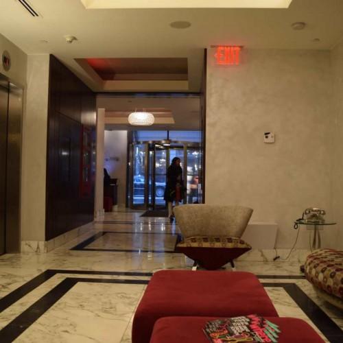 הכניסה למלון Mela ניו יורק