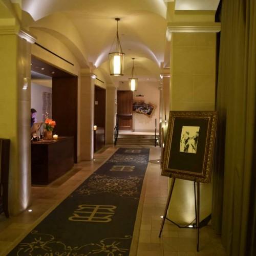 הכניסה למלון Refinery Hotel
