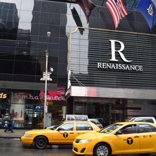 הכניסה למלון רנסנס טיימס סקוור Renaissance Times Square