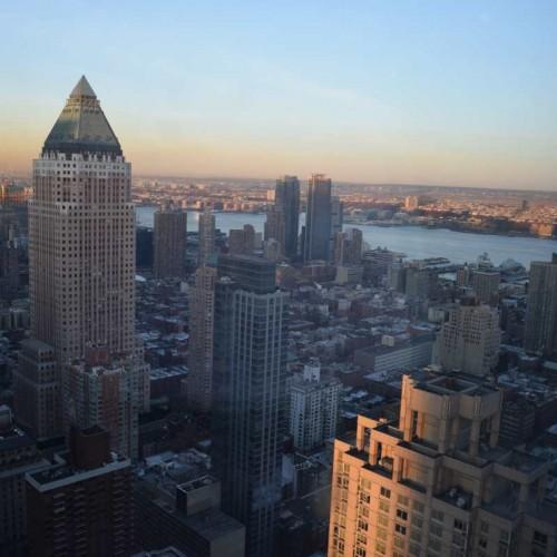 הנוף מערבה לנהר ההדסון מקומה 59 מלון רזידנס אין סנטרל פארק ניו יורק