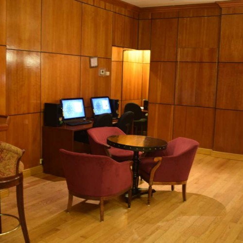 מחשבים לשימוש חופשי Hotel St. James