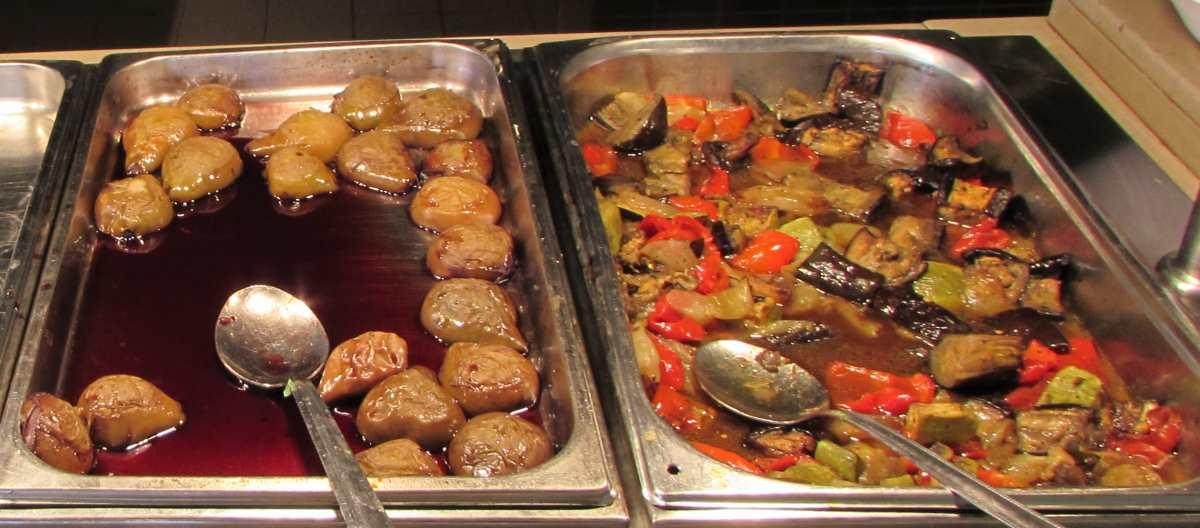אגס ביין, ירקות מבושלים ארוחת בוקר מלון קראון פלאזה