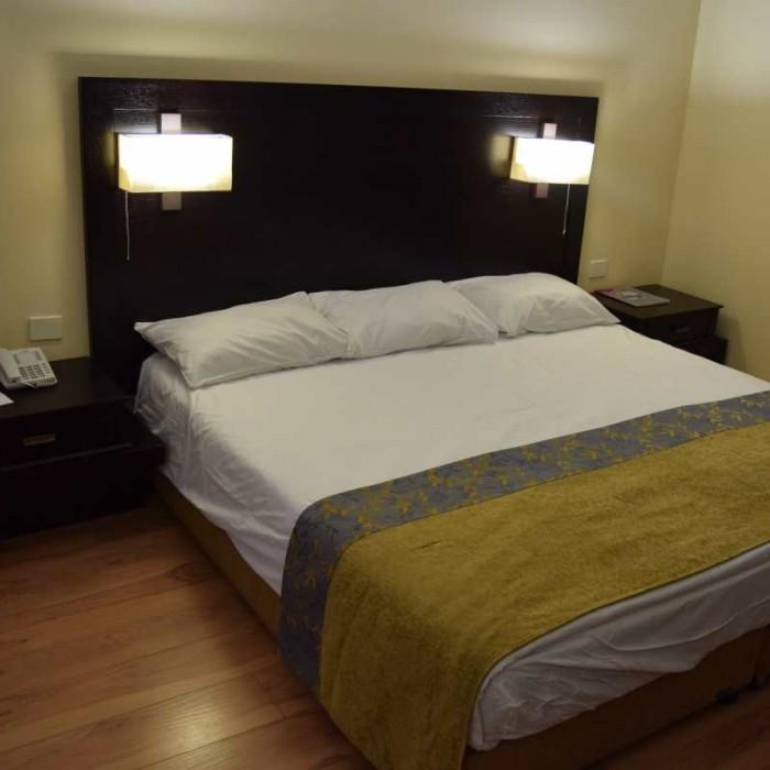 המיטה מלון קראון פלאזה ים המלח
