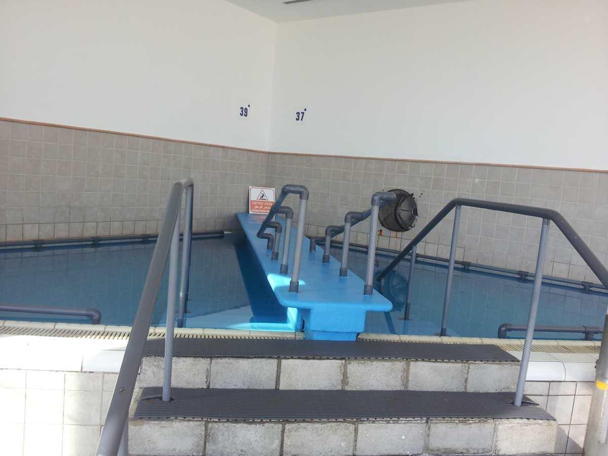 בריכת גופרית בתוספת תשלום ספא מלון קראון פלאזה ים המלח