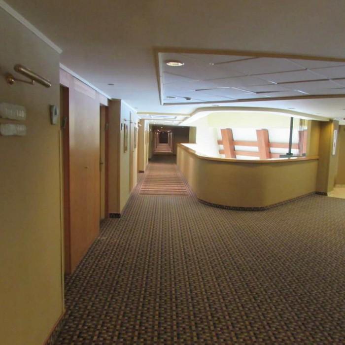 מסדרון בקומת החדרים מלון דניאל ים המלח