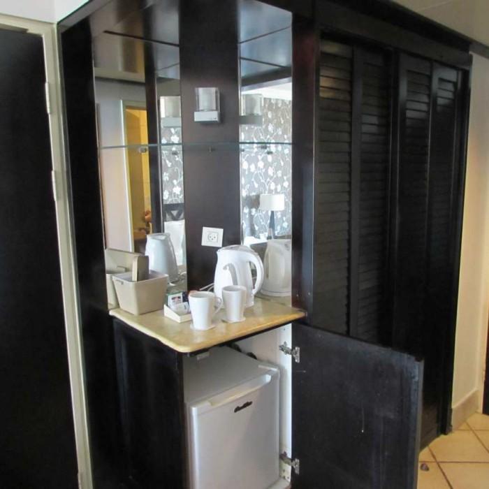 פינת קפה, מקררון מלון דניאל ים המלח