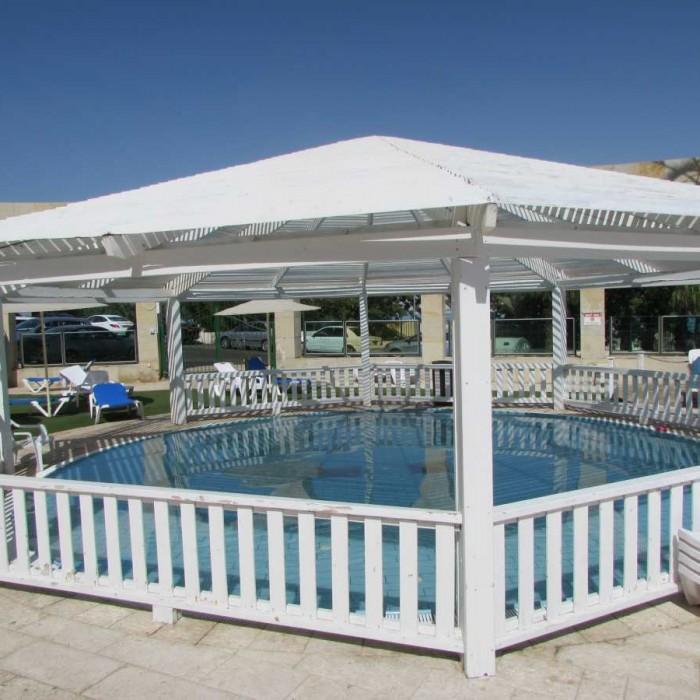 בריכת פעוטות מלון דניאל ים המלח
