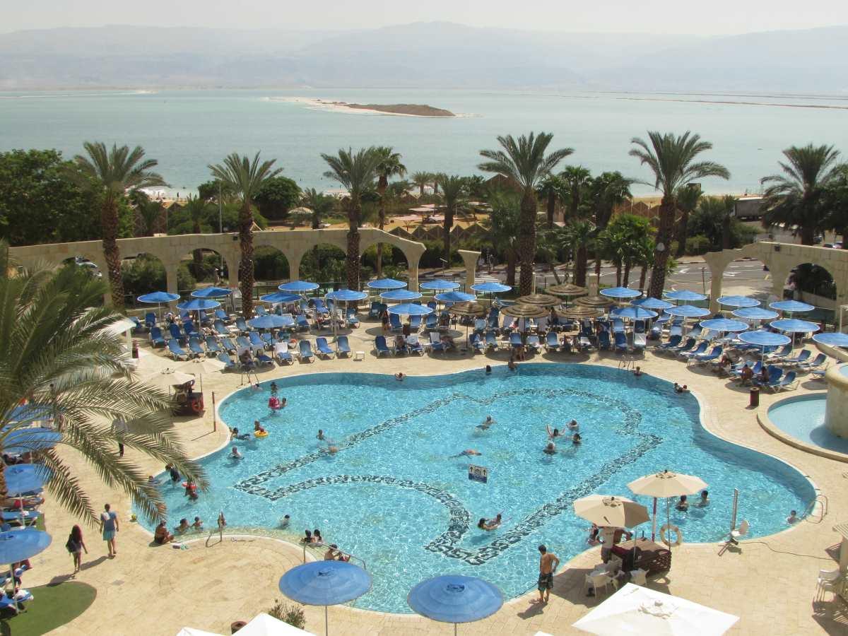 הבריכה מלון דניאל ים המלח