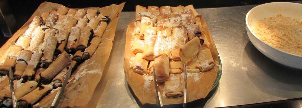 בלינצ'סים ארוחת בוקר מלון דיוויד ים המלח