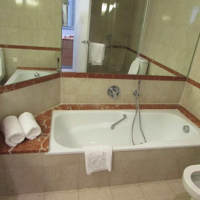 האמבטיה מלון דיוויד ים המלח